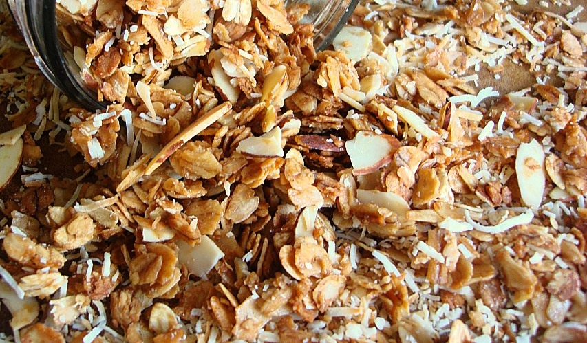 Slow Cooker Almond Granola with Dates and Coconut